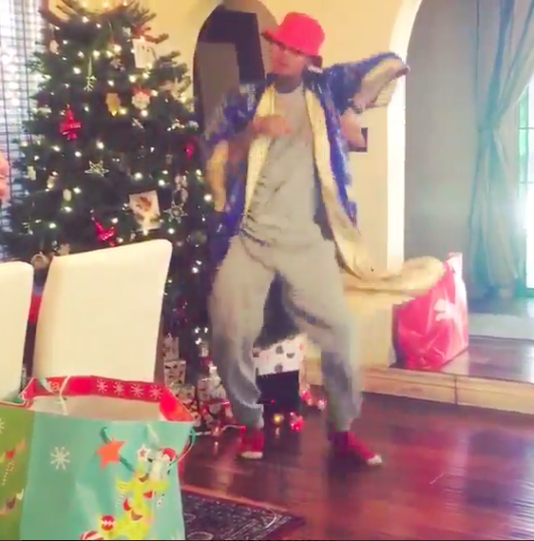 Chris Brown This Christmas.The Chris Brown Urges A Christmaschallenge Chingy Style